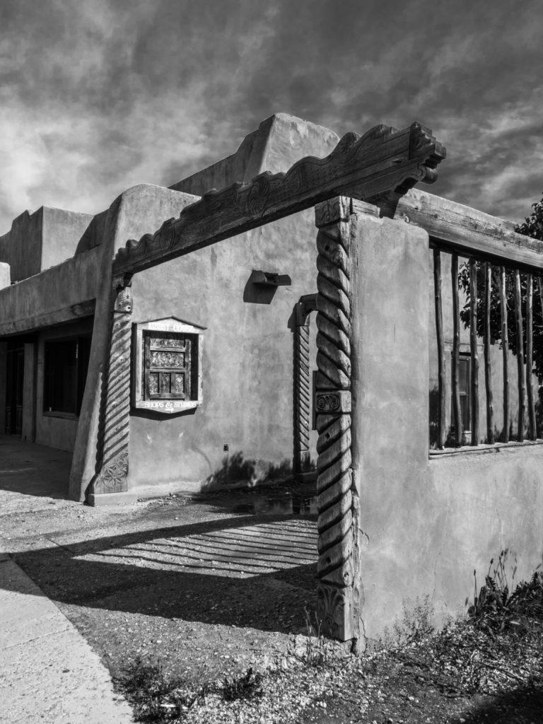Taos Building B&W(786)