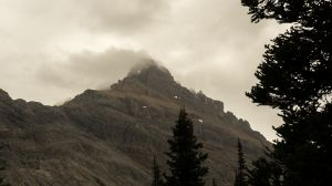 White Man Mountain In Cloud (040)