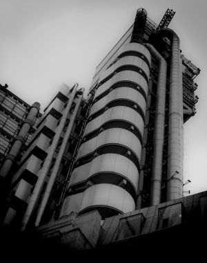 Lloyds of London (675)